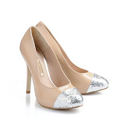Buffalo Pumps aus nude-farbenem Lacklede