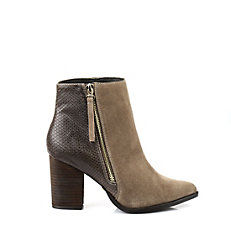 Buffalo Ankle Boots in camel